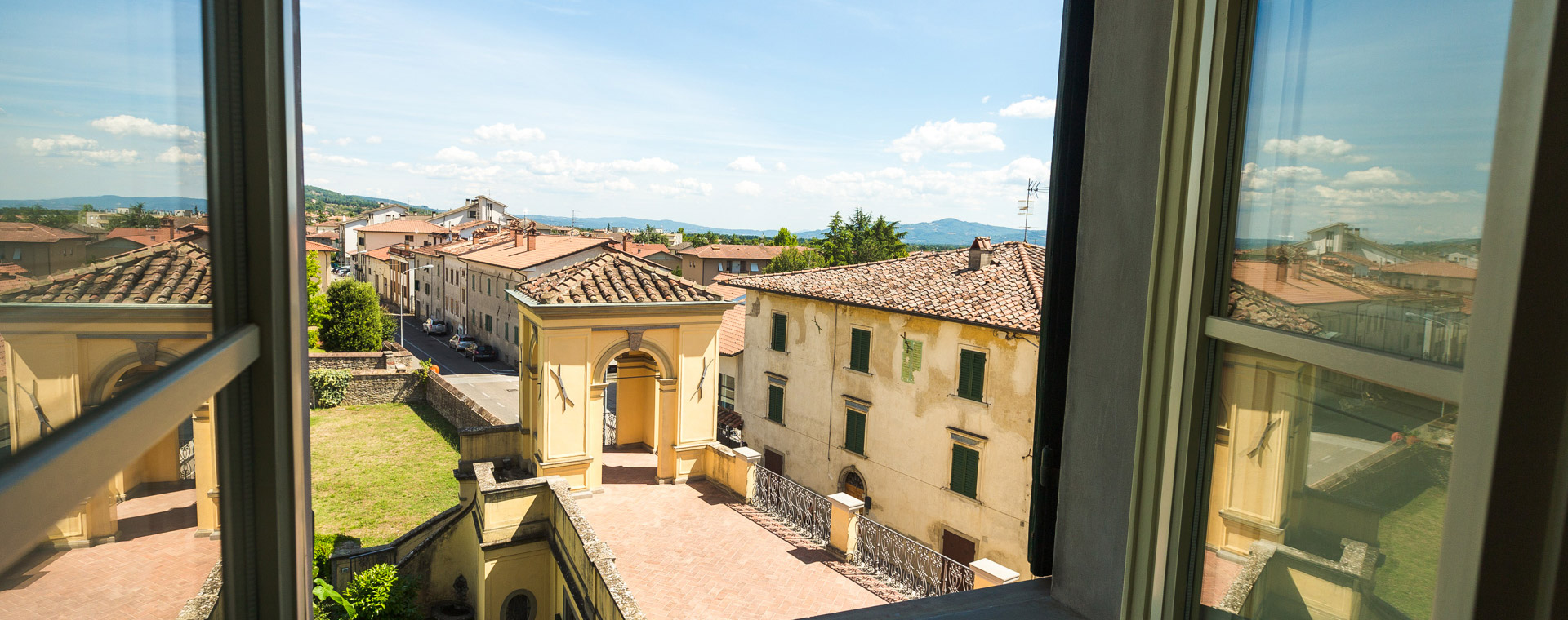 Tuscany historical residence now on sale